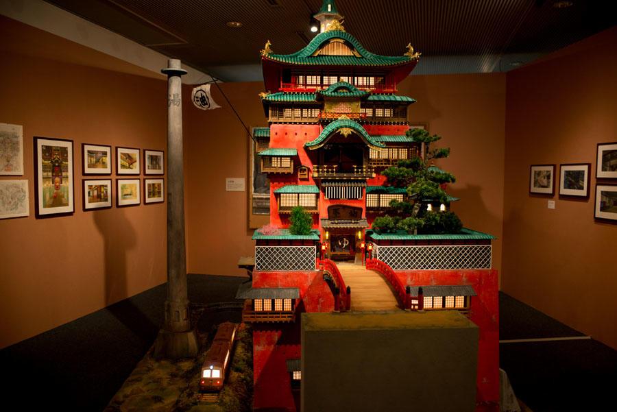 「千と千尋の神隠し」に登場する湯屋が、約3メートルの巨大な模型に!