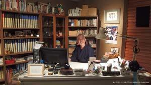 鈴木プロデューサーの机